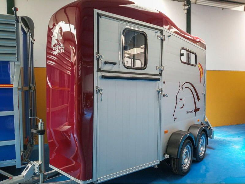 Van de 1 caballos Touring One