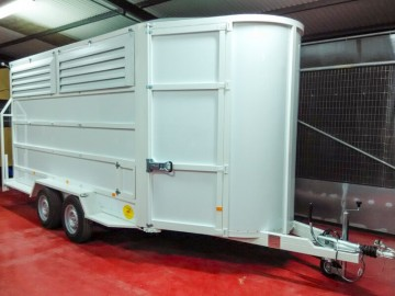 Van de Aluminio 2-3-4 caballos en diagonal